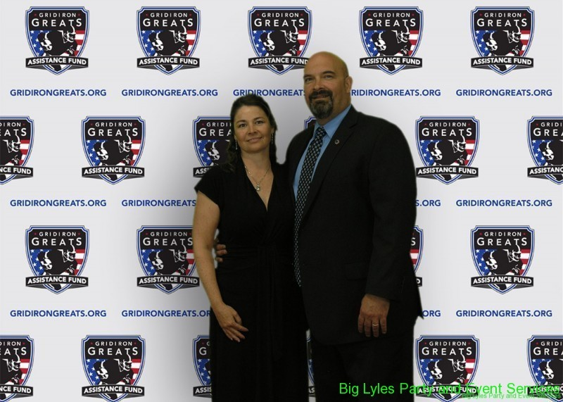 Guests  on the Red Carpet at 2014 Detroit Gridiron greats event