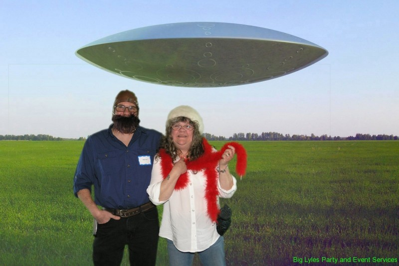 Couple by UFO